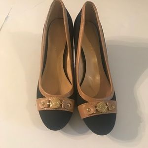 Tommy Hillfiger Navy and Tan Pumps Size 9